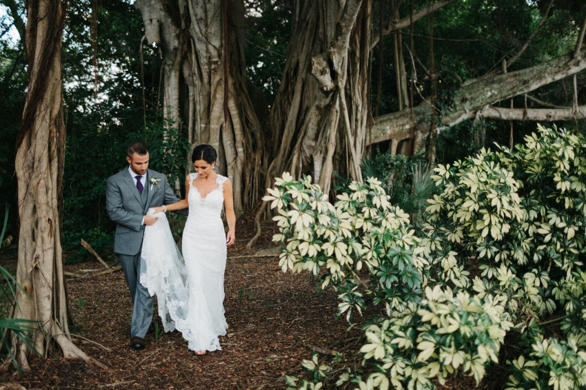 Sarasota wedding photos at the Powel Crosley Estate
