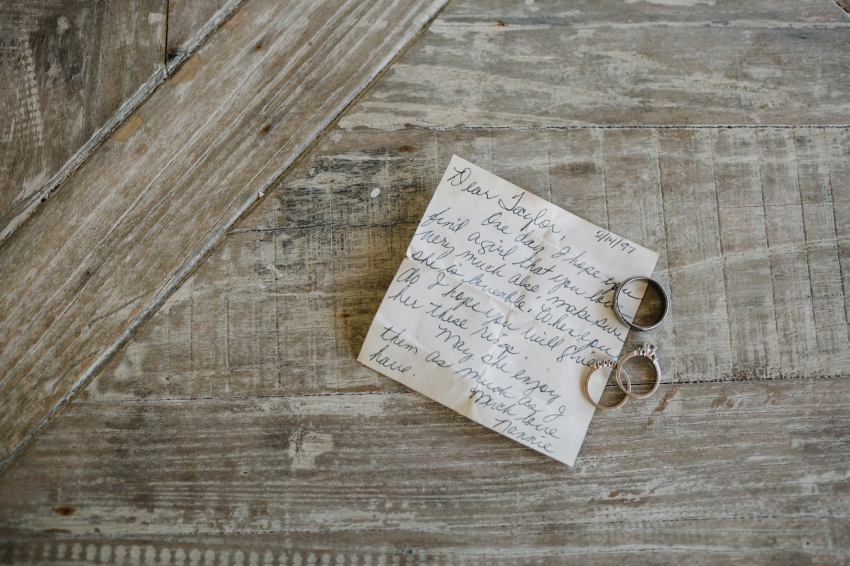 heirloom wedding rings from the grandmother of the groom with a handwritten note