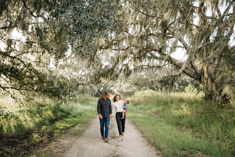 lifestyle family photos in lakeland