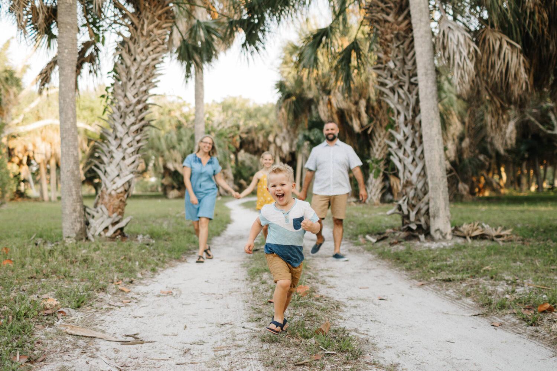 fun family photos at the beach