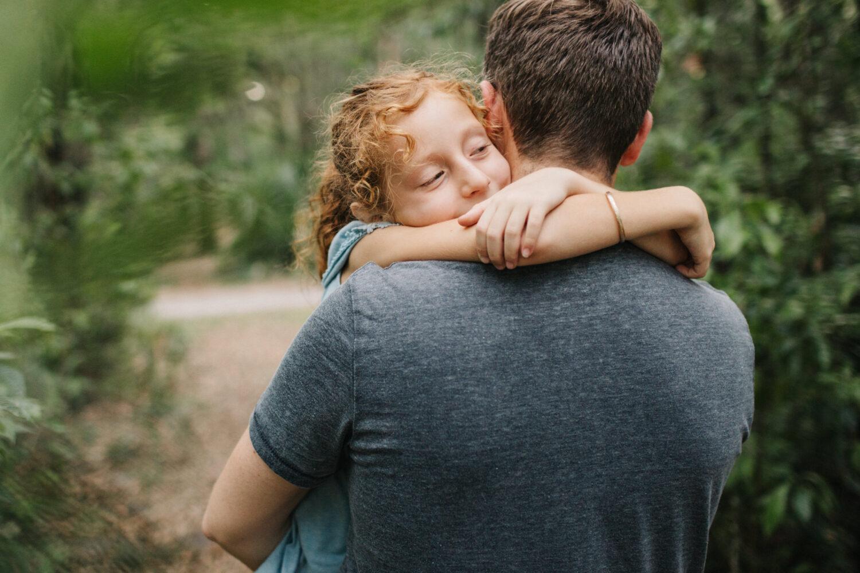 daughter hugging dad